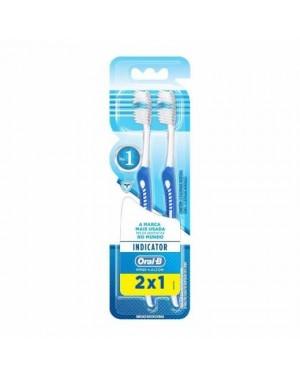 Escova Dental Oral B 30 Indicador Plus Leve 2 Pague 1